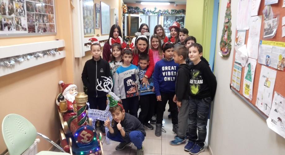 Καλά Χριστούγεννα από τα Junior-άκια μας!